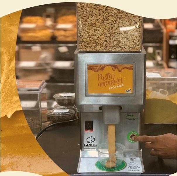 """Imagem de Pasta de Amendoim Torrado 100% Natural """"Faça a sua na hora"""" (100 G)"""