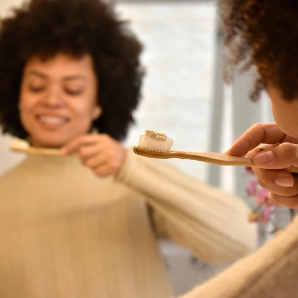Imagem de Creme Dental Positiva Menta e Melaleuca 90g