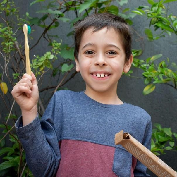 Imagem de Escova Dental Bambu Positiva Infantil Verde